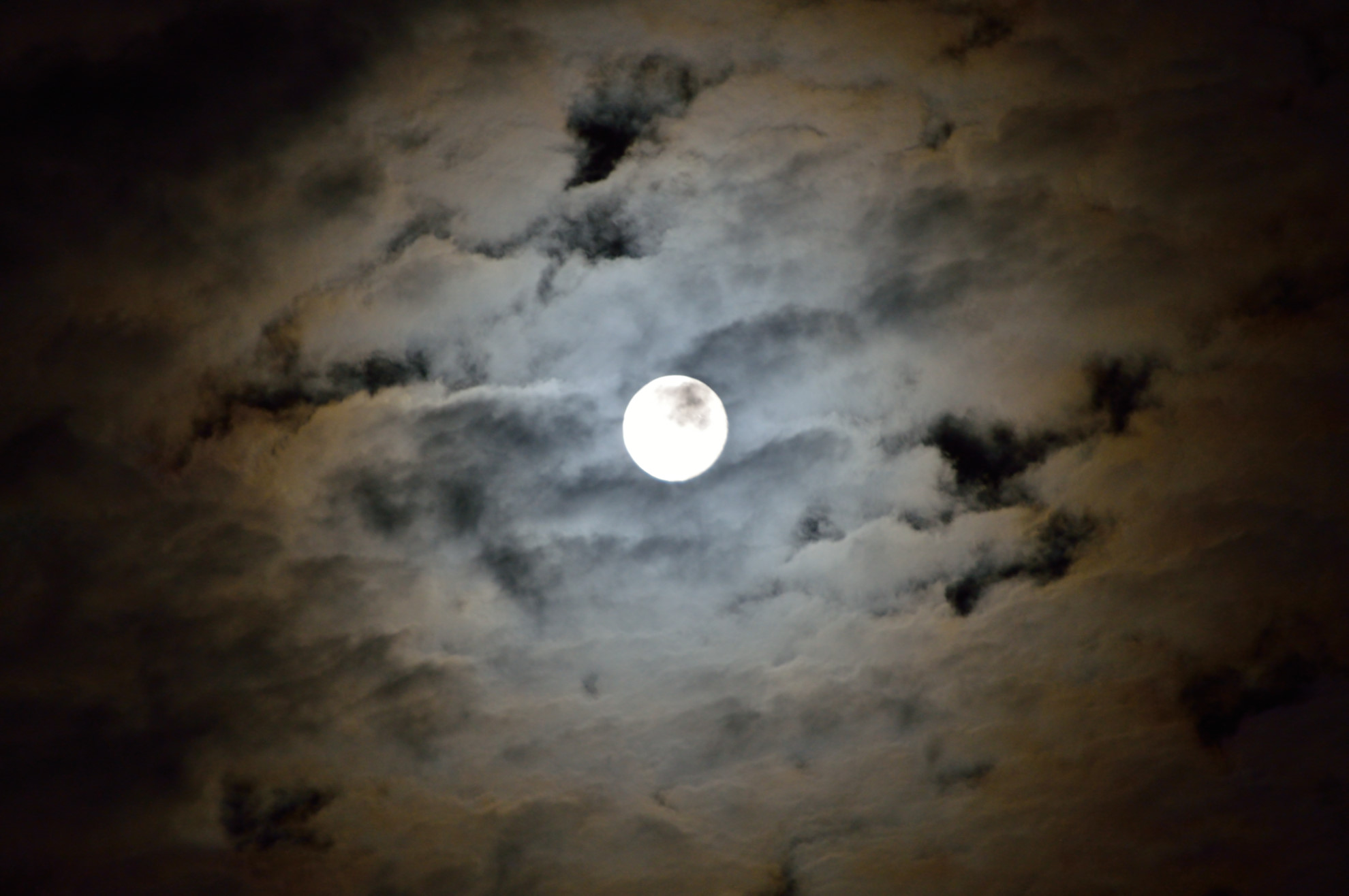 Vollmond Wolken
